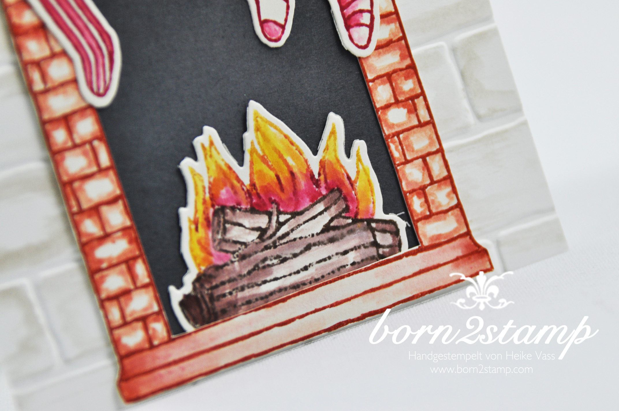 born2stamp STAMPIN' UP! Weihnachtskarte – Festive Fireplace – Framelits Am Kamin – Mischstifte – Wassertankpinsel