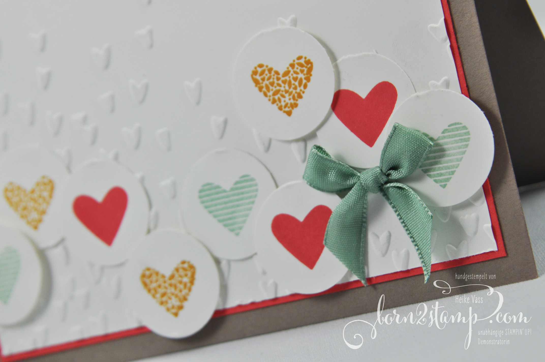 born2stamp STAMPIN' UP! IN{K}SPIRE_me Valentinstag – Mit Gruss und Kuss – Praegeform Bluetenregen – Leinenband