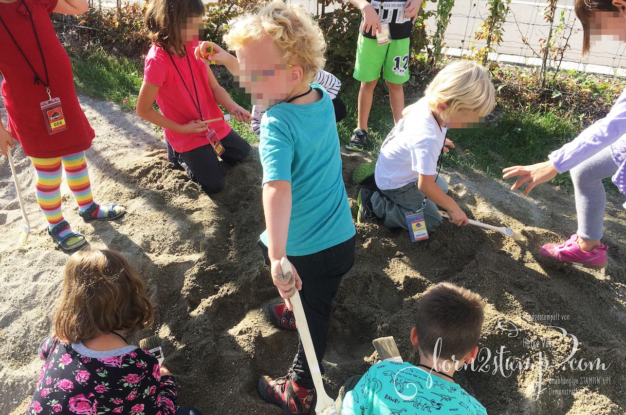 born2stamp Dino Party Geburtstag Spiele